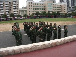 e68_行政人员军训
